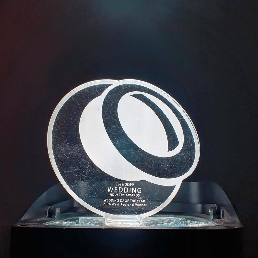 Iggy Wedding DJ awards - TWIA 2019 awards photo of trophy